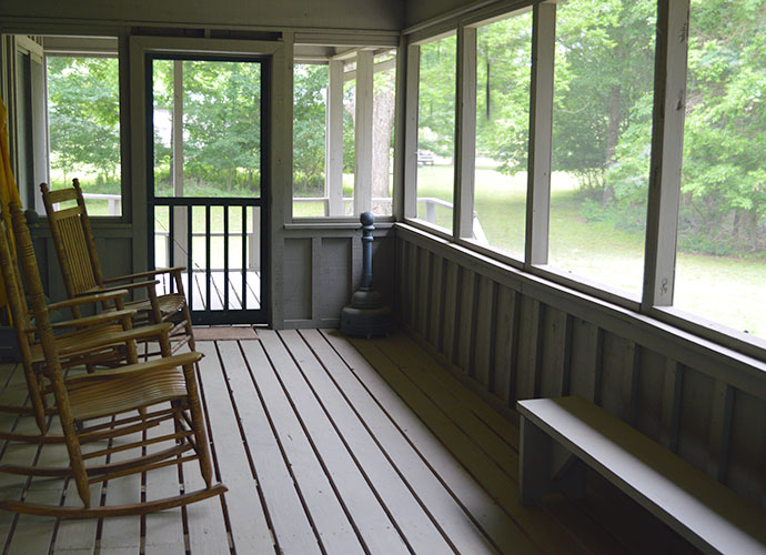 tara-iii-back-porch
