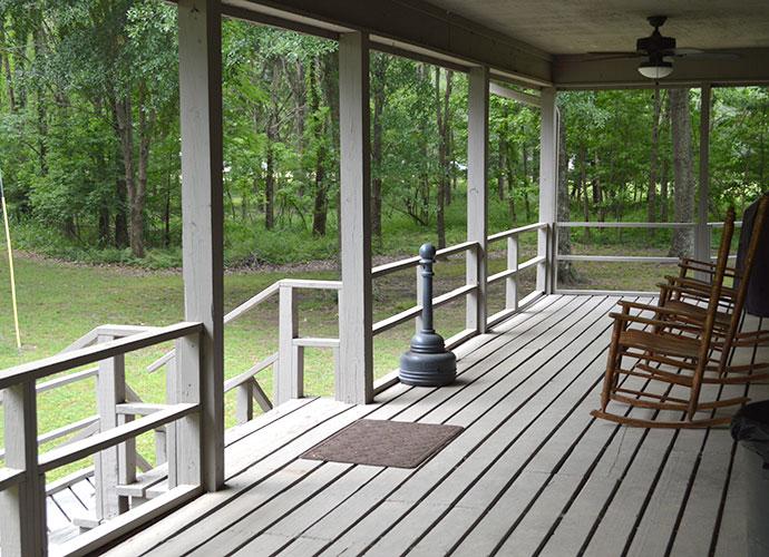 tara-iii-porch